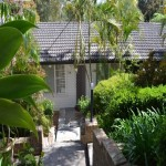 Charming Light Filled Cottage, 3 Beds, 2 Bath. Leafy Outlook. thumb