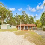 Lovely 2 Acre, 4 Bedroom Home - Morayfield thumb